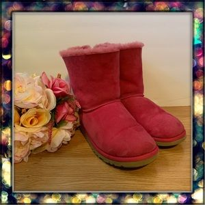 {UGG} Bailey Bow II Water Resistant Shearling Boot